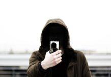 Selfitis – choroba psychiczna XXI wieku?