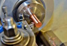 Sposób tworzeniaelementów metalowych niezbędnych do budowymaszyn