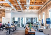 Inteligentne biuro na miarę XXI wieku – jakie rozwiązania powinny się w nim znaleźć